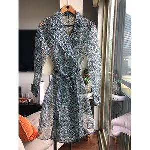 Fashionable sheer structured long coat S/M
